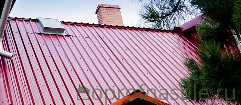 Профнастил с полимерным покрытием на крыше